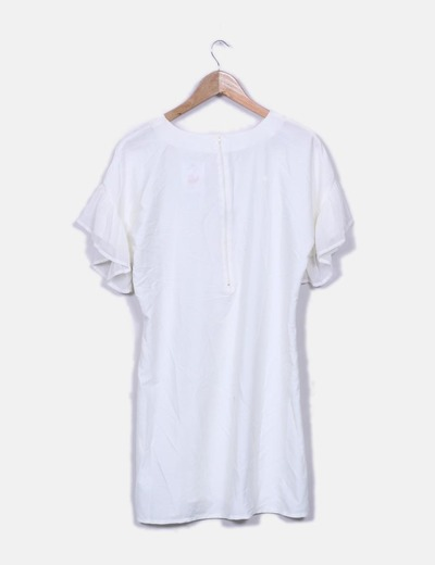 Vestido blanco detalle volantes de gasa