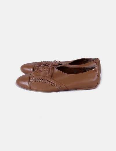 Zapato plano marrón troquelado H&M
