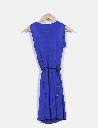 Vestido azul klein sin mangas escote en pico