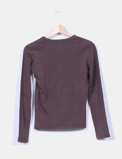 Top marron manga larga escote en pico