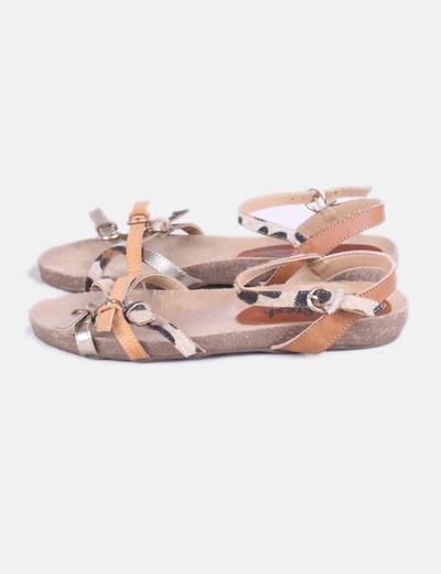 Sandalias de tiras combinadas