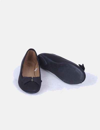 Bailarina negra con lazo