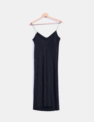 Vestido negro plisado de tirantes