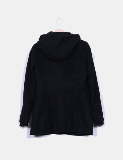 Trenca negra con capucha