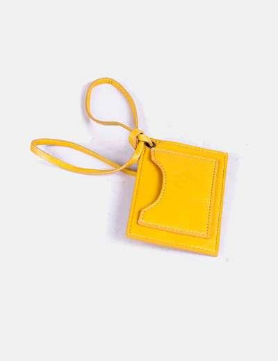 Tarjetero bolso amarillo