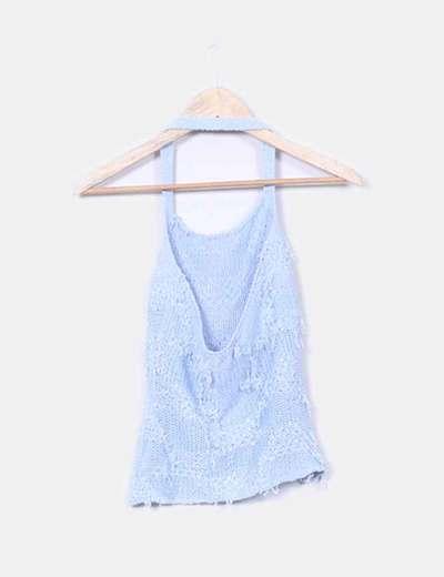 Top azul atar al cuello hilos sueltos