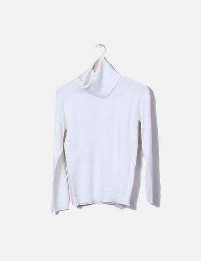 1dca037b328a Outfitbook Gestrickter weißer Pullover mit abnehmbarem Kragen ...