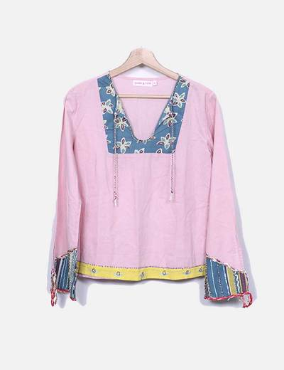 Blusa rosa con abalorios Peace And Love