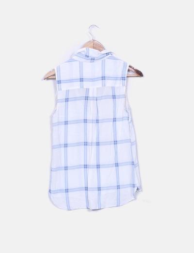 Blusa blanca cuadros azules