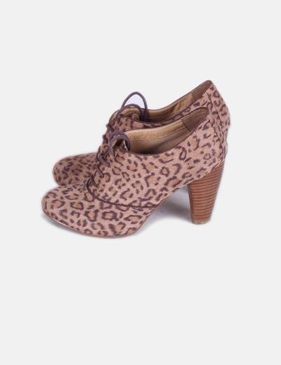 Zapato abotinado aniaml print con cordones Suiteblanco