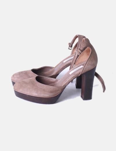 f0cd725f Uterqüe Zapatos ante taupé tacón madera (descuento 75 %) - Micolet