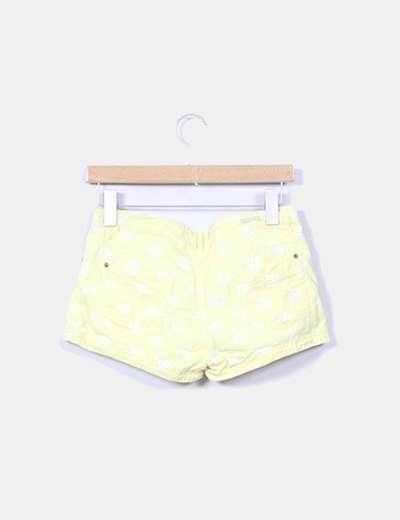 Shorts amarillo print peces