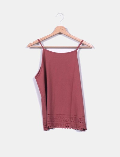 Blusa de tirantes tono rosado detalle troquelado New Look