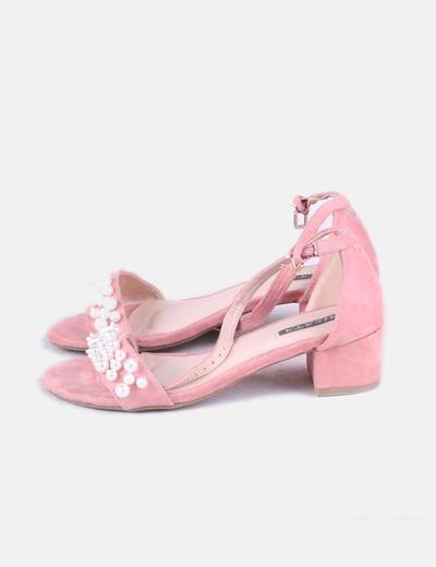 Sandalias rosas con perlas