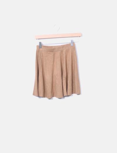 Mini falda evasé antelina marrón Bershka
