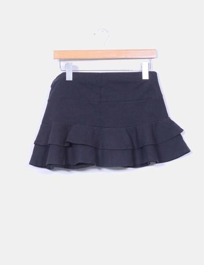 Mini falda negra con volantes Pimkie