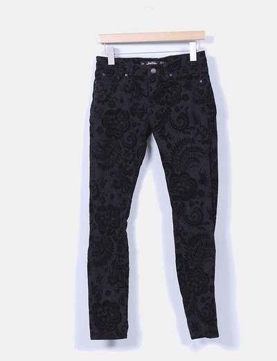 Pantalón negro texturizado terciopelo Zara