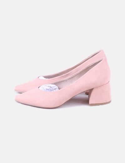 Zapato rosa tacón bajo
