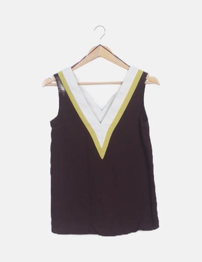 Blusa escote pico tricolor