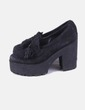 Zapato ante negro con borlas Alpe
