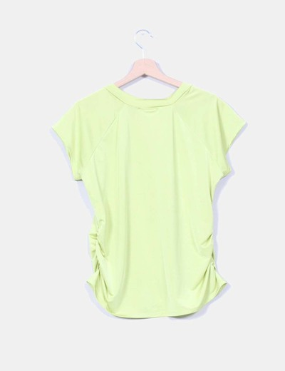 Camiseta verde fluor drapeada