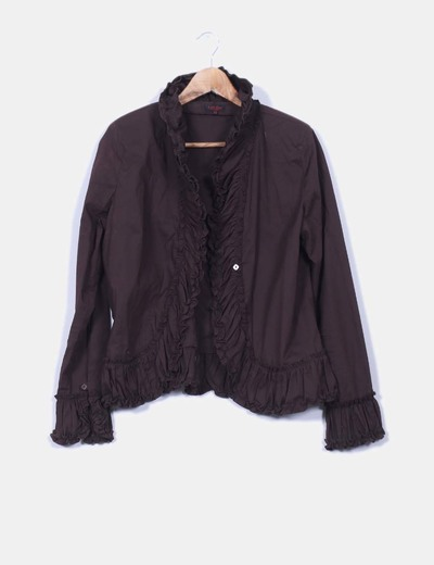Chaqueta marron chocolate con chorreras
