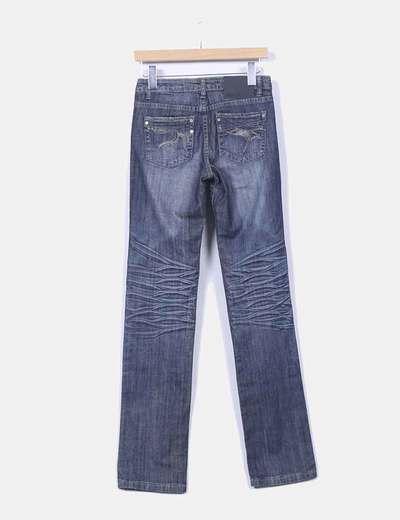 Jeans color oscuro corte recto