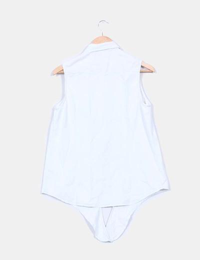 Camisa vaquera sin mangas con detalles etnicos