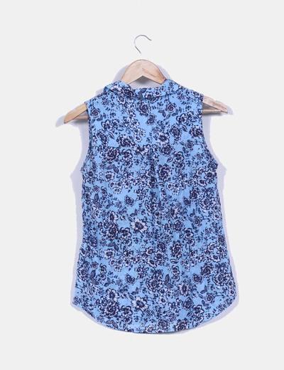 Camisa azul floral sin mangas