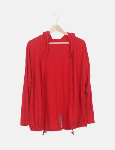 Chaqueta roja con capucha