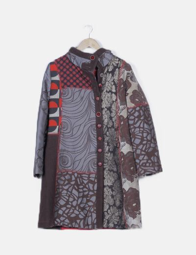 Abrigo largo marrón estampado combinado