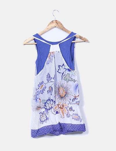 Camiseta combinada azul y blanca estampada