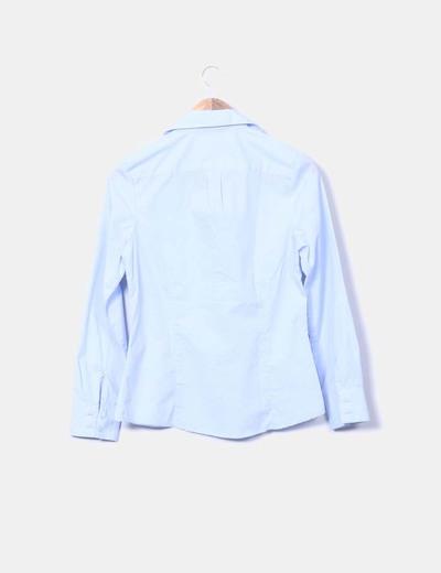 Camisa azul escote pico