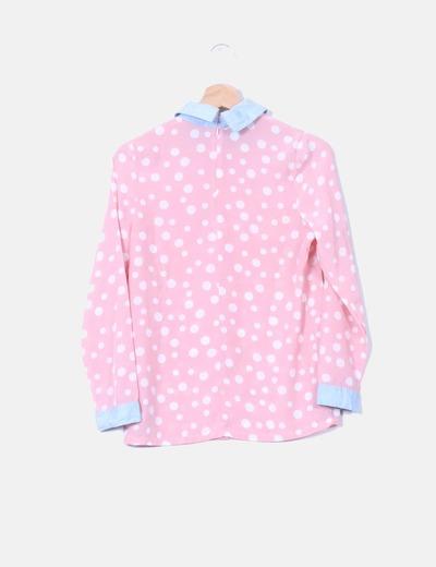 Blusa rosa con lunares blancos