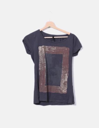 Camiseta gris print Stradivarius