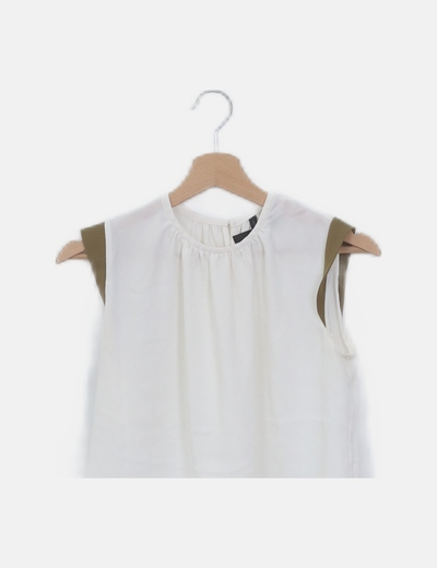 Blusa blanca mangas verdes