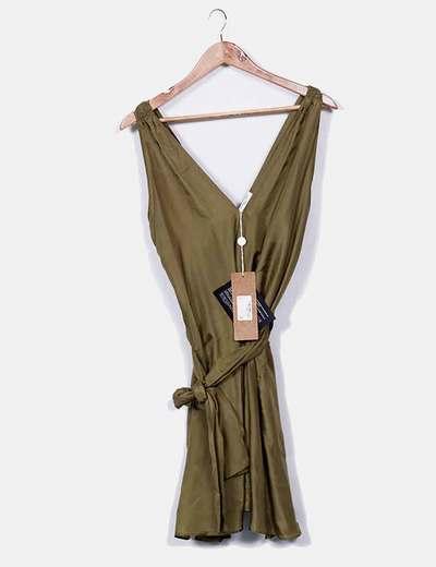 Vestido caqui de seda
