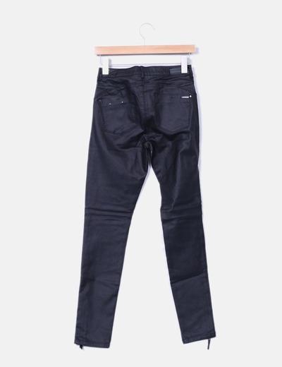 Pantalon negro pitillo satinado