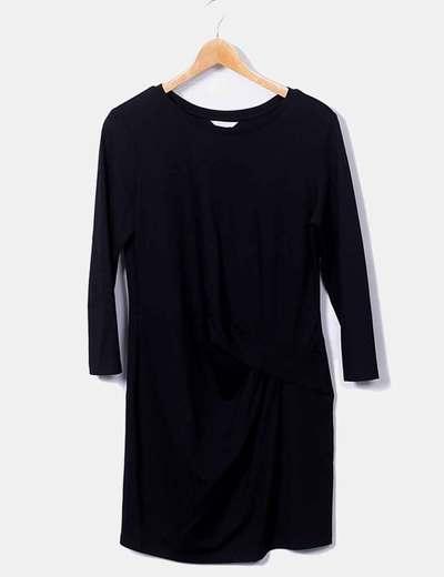 Vestido negro detalle abullonado