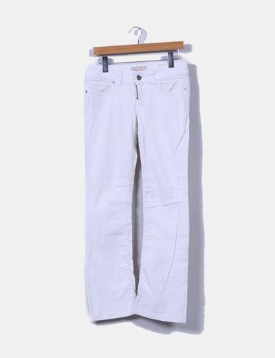 Pantalón blanco Guess