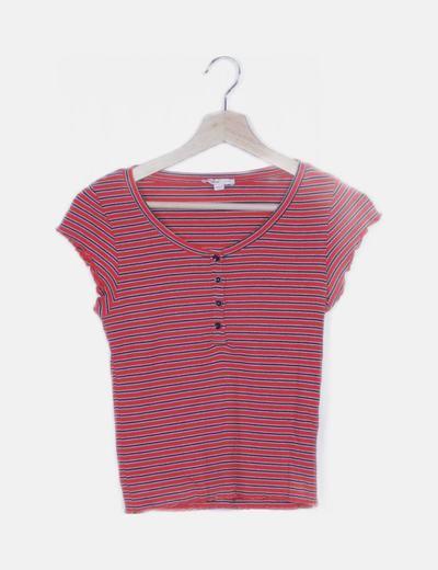 Camiseta roja de rayas ribetes plisados