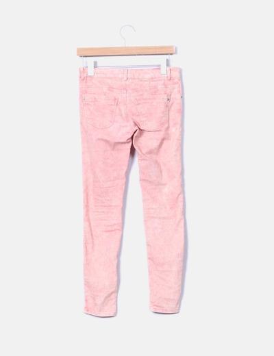 Jeans pitillo efecto desgastado