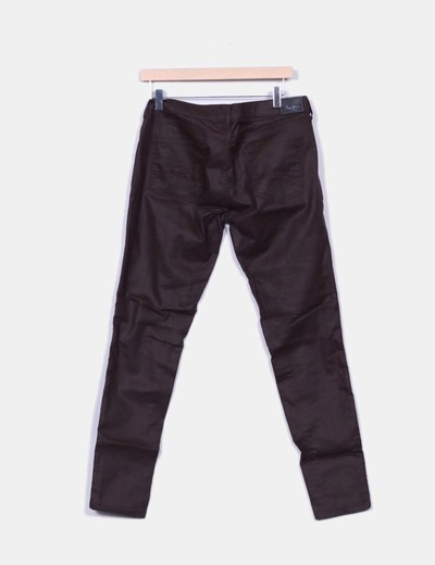 Pantalon granate efecto cuero