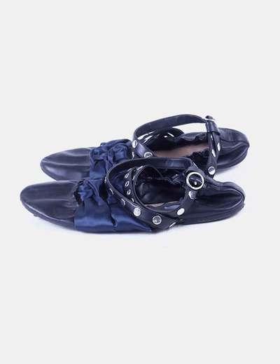 Bailarina negra lazos azules