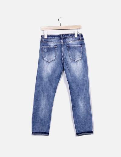 Jeans denim pitillo tachuelas