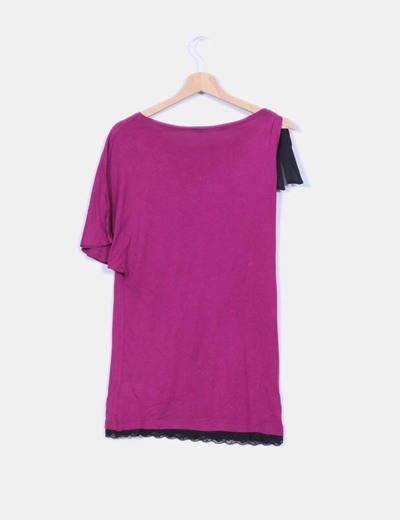 Camiseta morada asimetrica print