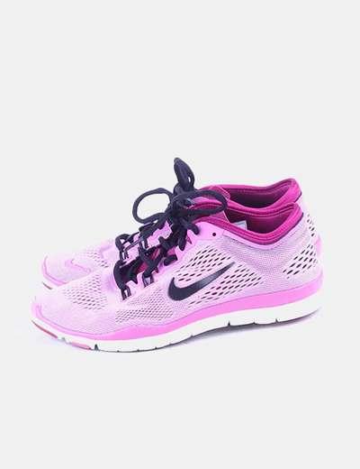 Sneaker rosa con cordones