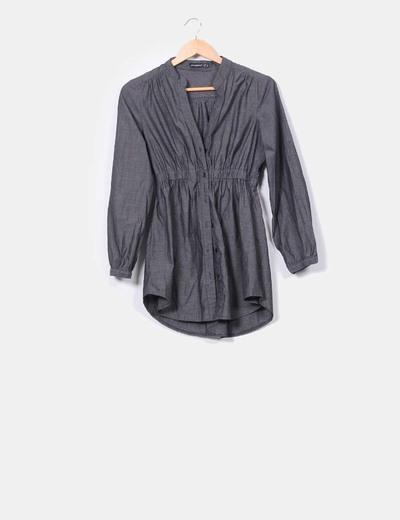 Vestido gris oscuro con cinturilla Atmosphere