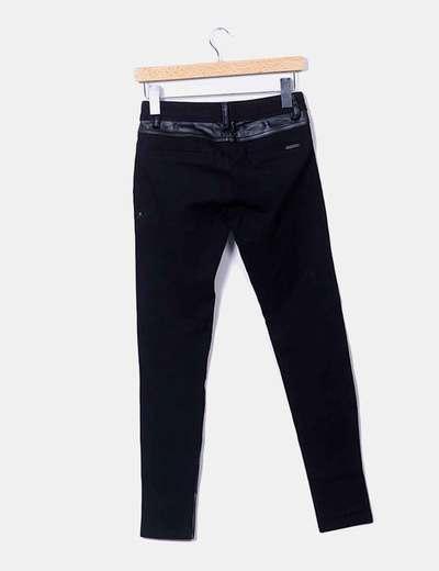 Pantalon negro combinado