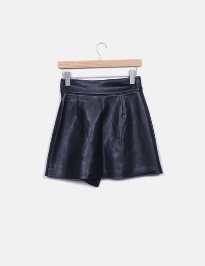 Minifalda polipiel negra